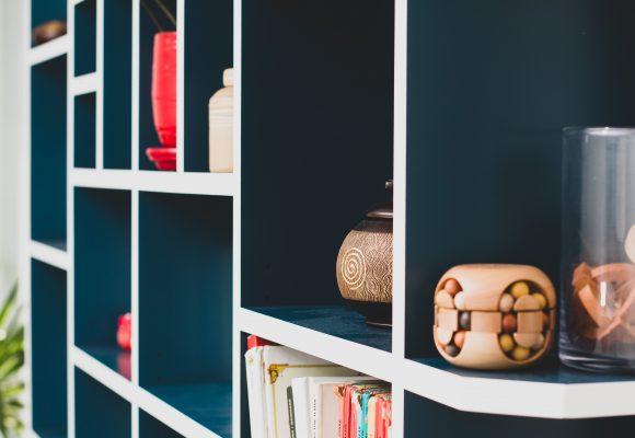 bibliothèque laque bicolore et plateau chêne massif