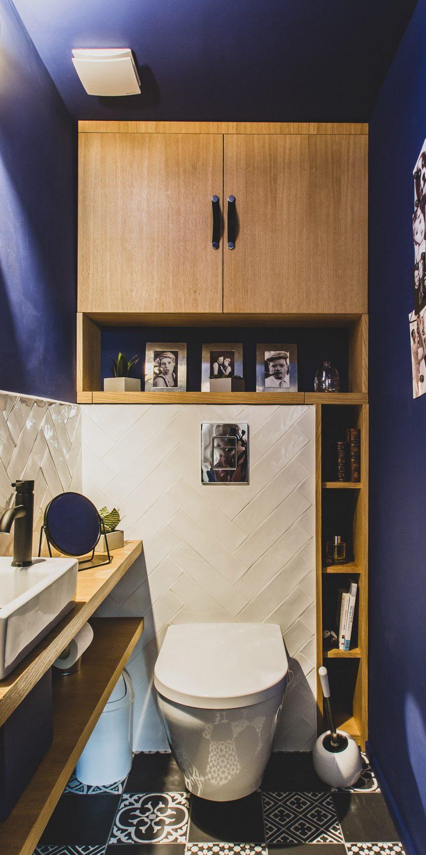 Rénovation wc, placard et aménagement en latté plaqué chêne