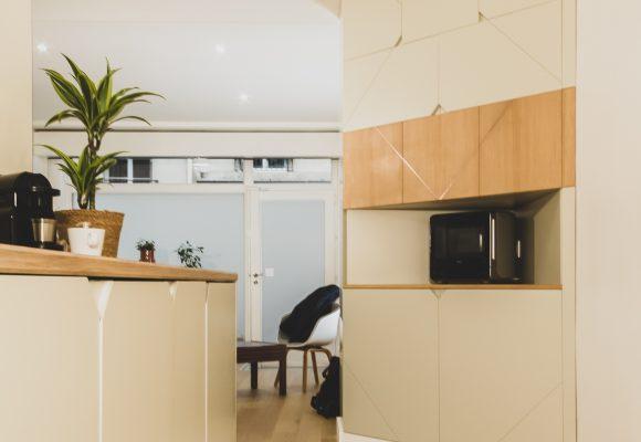 Placard d'angle design et habillage de cuisine