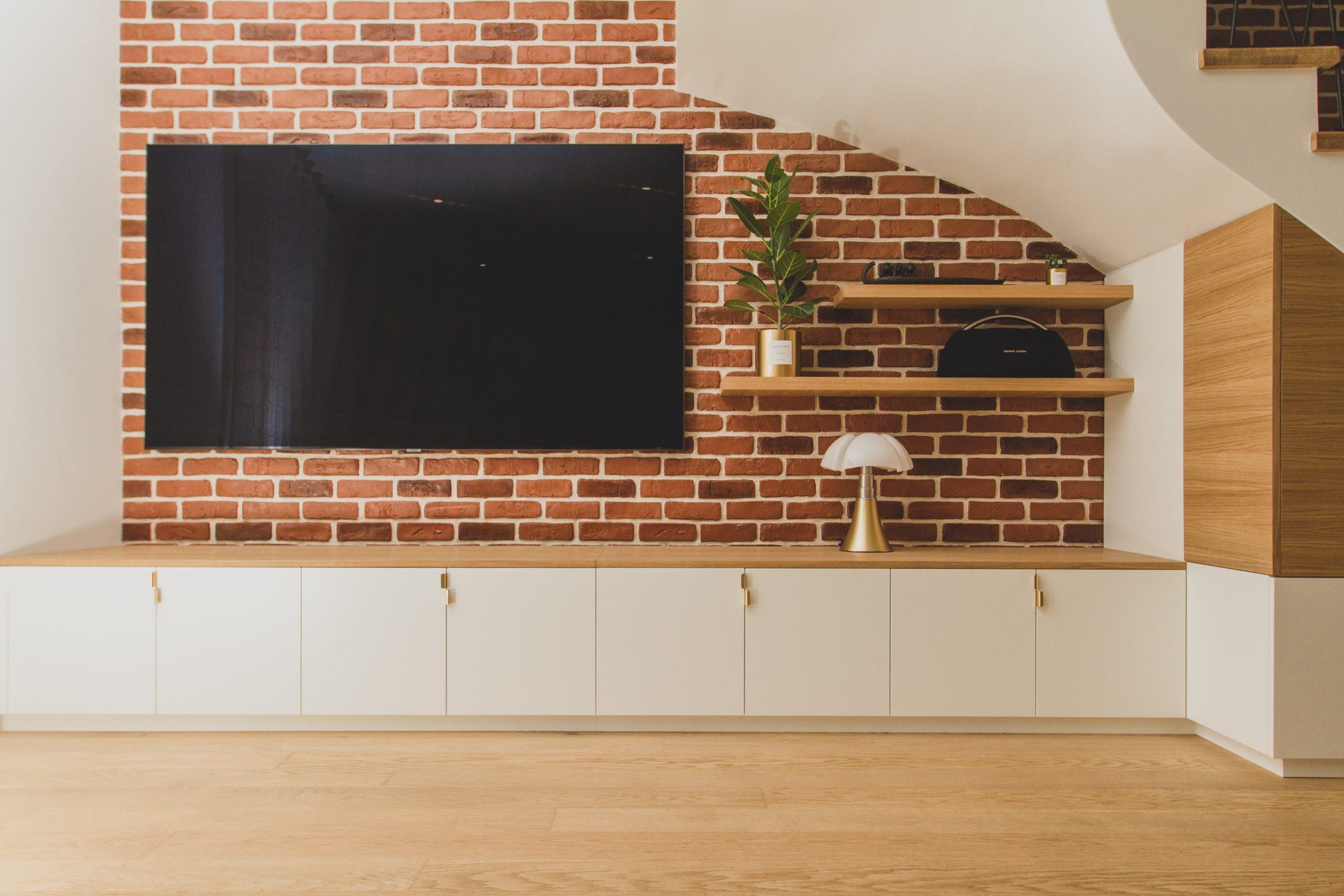 MeubleTV-placards-sousescalier